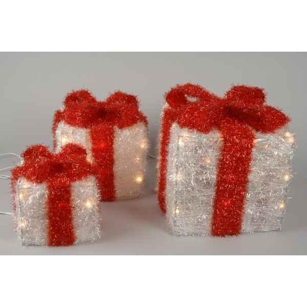 Boite cadeau blanche noeud rouge kaemingk dans d co noel for Noeud decoration noel